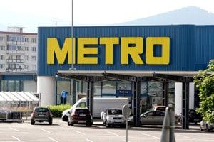 Metro so značkou Metro Cash & Carry má podľa svojho webu v 25 krajinách viac ako 760 obchodov a zamestnáva vyše stotisíc ľudí.