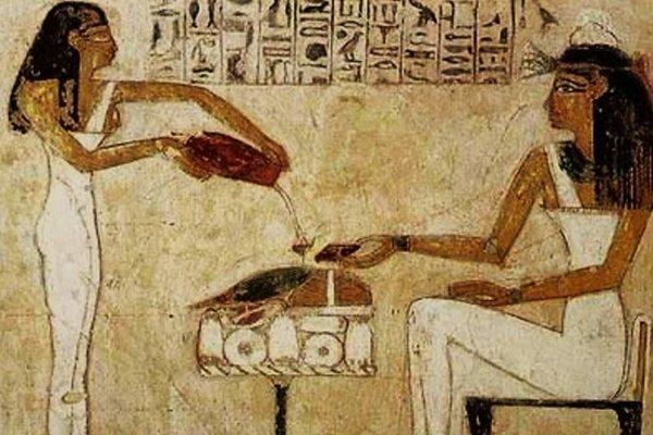 Egyptské ženy pijú pivo.