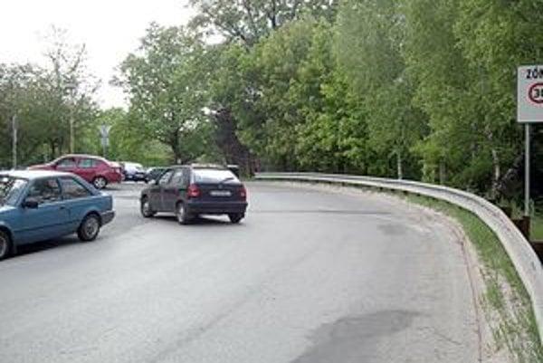 Zmena bude od prvého júna, vodiči si musia dať pozor.