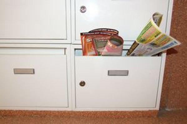 Preplnené schránky sú signálom pre zlodejov.