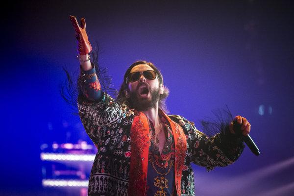 Jared Leto niekoľkokrát prerušil vystúpenie v Bratislave.