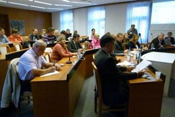 Mestskí poslanci schválili návrh jednohlasne.
