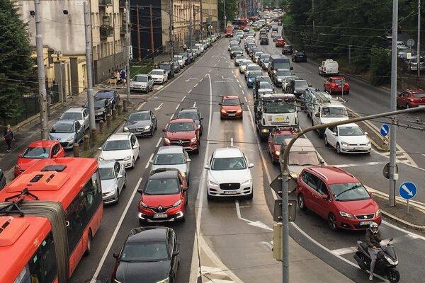 Pražská ulica v Bratislave.