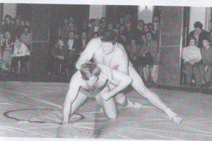 Anton Búrik počas zápasenia.