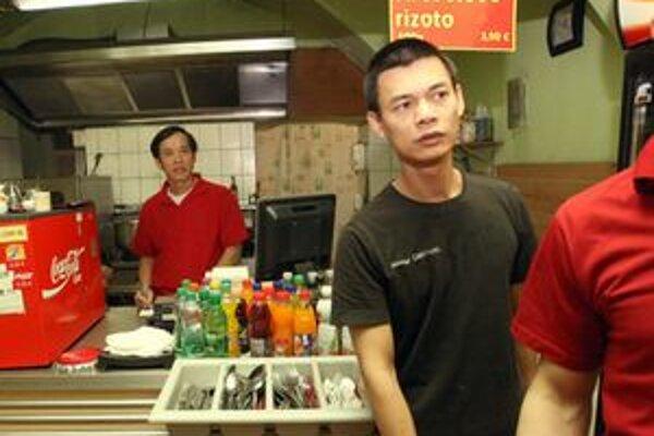 Hygienici chcú zavrieť ázijskú reštauráciu v Partizánskom.