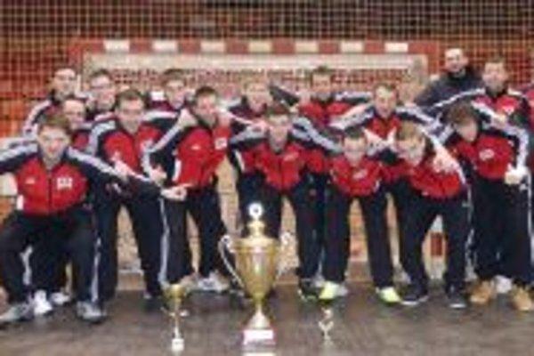 Topoľčianski hádzanári vyhrali turnaj v Šali.