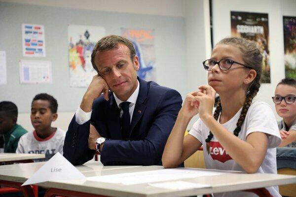 Obľuba francúzskeho prezidenta u voličov v posledných mesiacoch klesá.