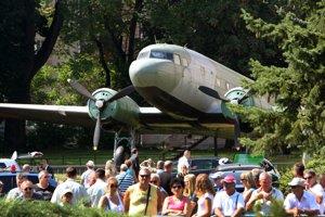 Lietadlo LI 2 sovietskeho diaľkového letectva je jedným z najobľúbenejších exponátov skanzenu.
