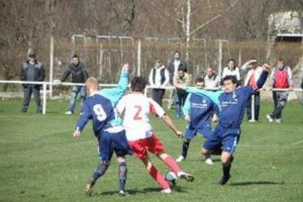 V súťaži MO Topoľčany porazili Krtovce Oponice 2:0.