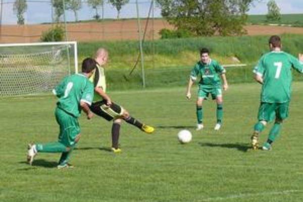 Futbalisti Jacoviec vyhrali v dôležitom zápase 6:0.