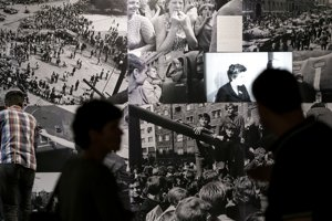 Snímka z vernisáže výstavy Okupácia 1968.