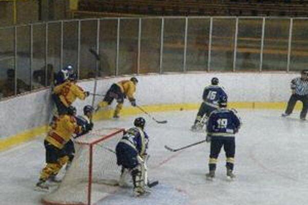 Topoľčany v Detve vyhrali tri zápasy.