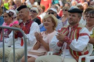 Primátor Ján Nosko s manželkou, ministerka kultúry Ľ. Laššáková a premiér Pellegrini.