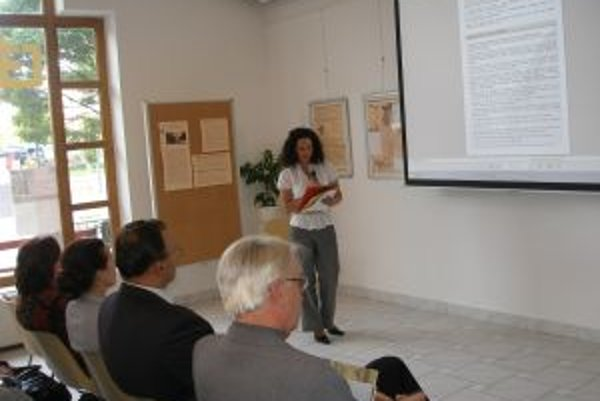 S odbornou prednáškou na seminári vystúpila Eva Gažiová z Pamiatkového úradu.