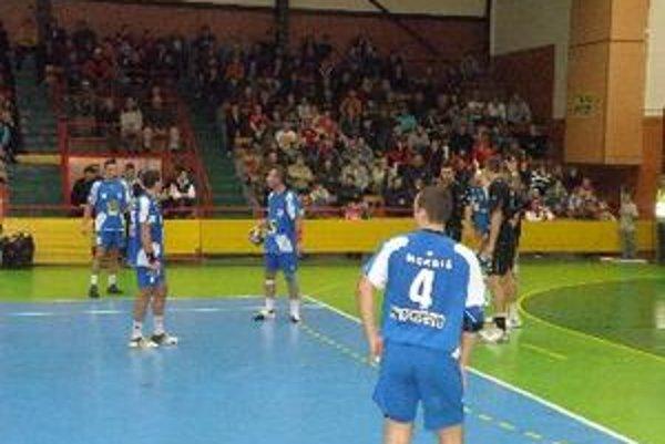 Topoľčianski hádzanári sa už dnes predstavia v Prešove pod vedením nového trénera.