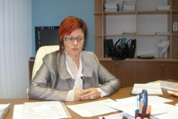 Riaditeľka Alexandra Gieciová chce dosiahnuť, aby boli štátny zamestnanci voči klientom ústretovejší.