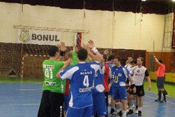 Hádzanári v poslednom zápase zaslúžene vyhrali.