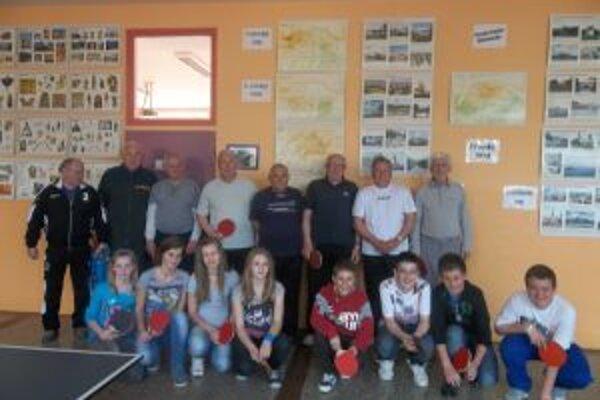 Spoločná fotografia účastníkov.