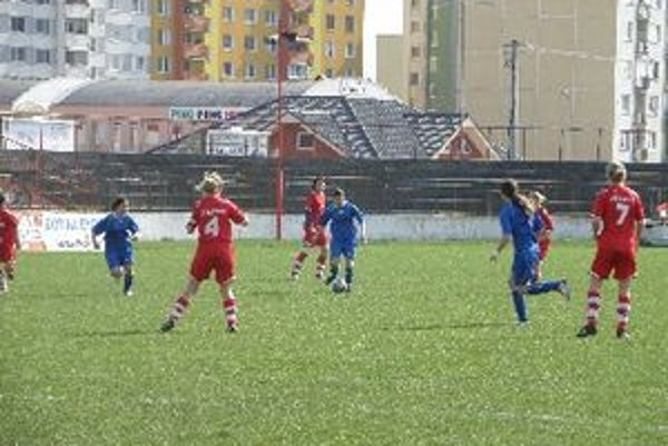 Ženy Topoľčian vyhrali doma 5:2.