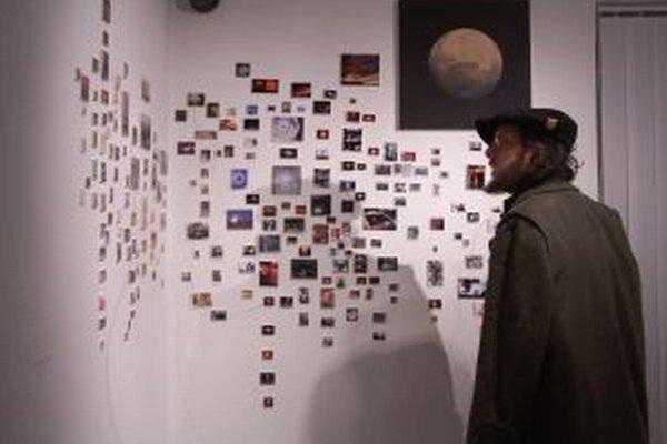 Pohľad do inteiréru výstavy.