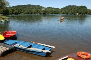 Aj opakovaný odber vzorky vody z dôvodu premnoženia cyanobaktérií preukázal ďalšie zvýšenie množstva cyanobaktérií v Počúvadlianskom jazere pri Banskej Štiavnici.
