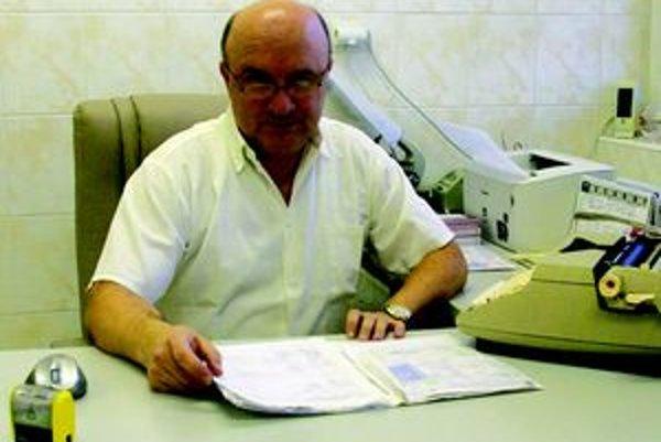 MUDr. Ján Kmeťko.
