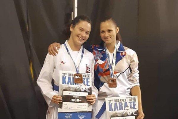 Žilinčanky Sarah Hrnková a Eva Nováková získali na podujatí bronz.
