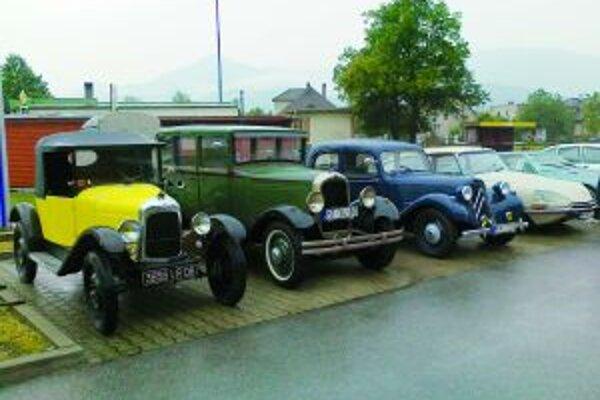 Prezentácia historických vozidiel bola súčasťou podujatia.