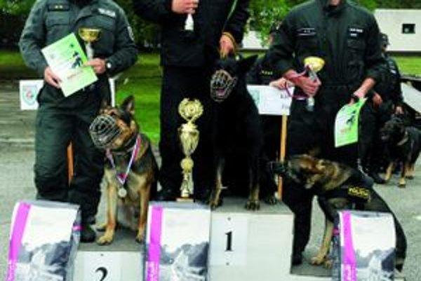 Oto Calík so psom Lascom (vstrede) nechali všetkých konkurentov za sebou.