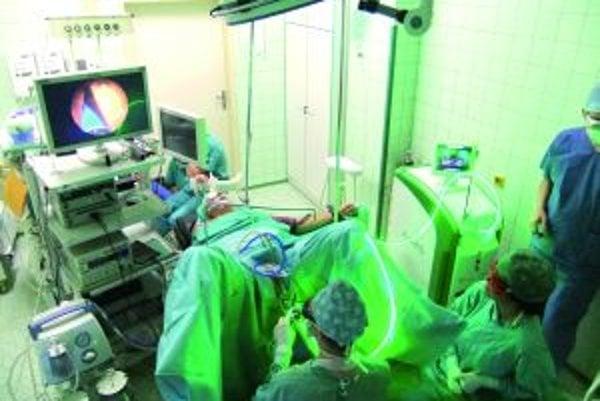 Operácia prostaty. V Martine ju už niekoľko dní vykonávajú laserovou technológiou.
