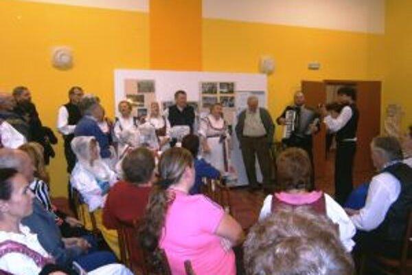 Na nesúťažnej prehliadke sa predstavili aj štyri folklórne skupiny z Turca.