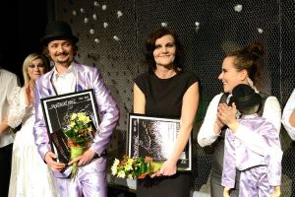 V popredí držitelia titulu Ihráč 2012 za najlepší ženský a mužský herecký výkon - Jana Oľhová a Dano Heriban.