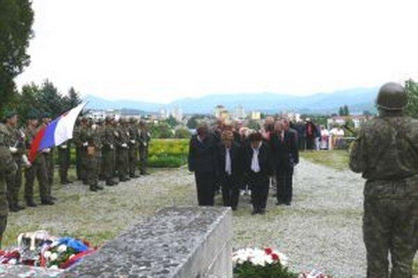 Pietny akt sa tradične uskutočnil aj na Cintoríne padlých v Priekope.