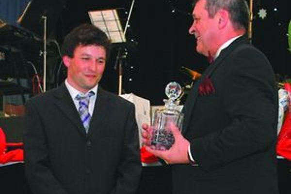 Kolkár – fazuliar Ivan Čech (vľavo) si cenu Sučianska fazuľka váži tak ako titul majstra sveta.