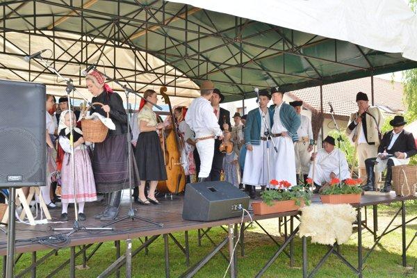 Folklórna skupina Dolina z Gemerskej Polomy. FOTO: PP