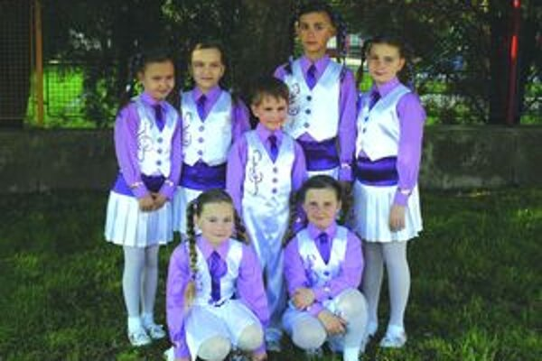 Získali tretie miesto. Tanečníci z tanečnej školy PegaFun DC. FOTO: MICHAELA PISARÍKOVÁ