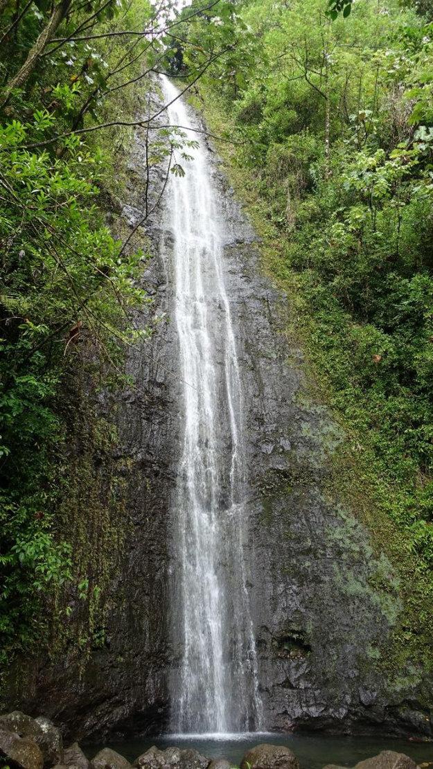 Vodopád Manoa Falls vysoký 46 metrov.