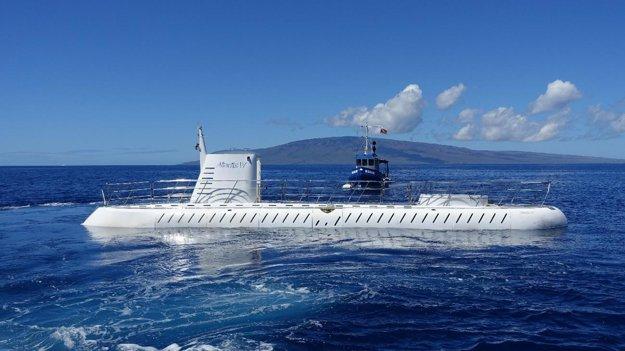 Turistická ponorka Atlantis.
