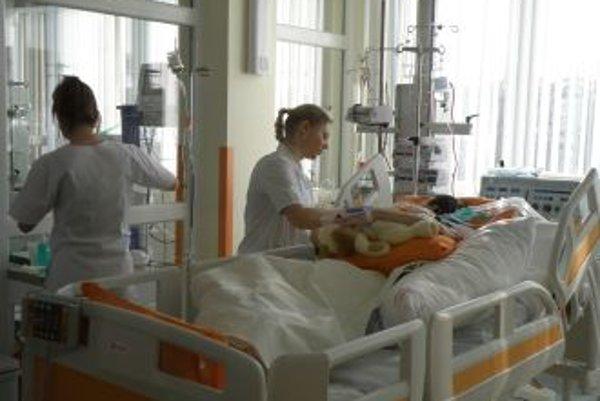 Kvalita pre pacientaV pavilóne sú štandardne i nadštandardne vybavené izby s vlastným sociálnym zariadením.