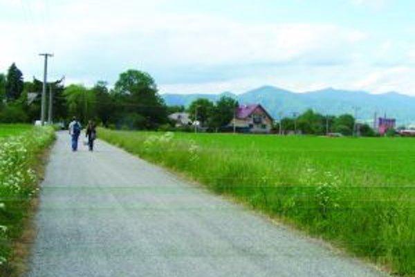 Ľudia z Fornigova sa nechcú zmieriť s tým, žeby v ich susedstve bývali stovky neprispôsobivých.