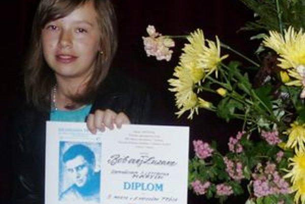 Zuzka Bobová - 13-ročné dievča má IQ 160, číta Shakespeara, Moliéra, recituje a píše príbehy, za čo už získala 9 diplomov.