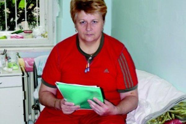 Pred tromi rokmi. Mária Ághová podstúpila v Martinskej fakultnej nemocnici operáciu kĺbu. V súčasnosti stále bojuje s baktériami, ktoré jej spôsobujú zápal v tele.