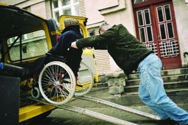 V Martine teraz prepravnú službu poskytuje nezisková organizácia Samaritán. Od januára ju bude ponúkať aj mesto Martin.