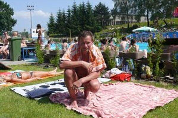 Miloš Neboška bol voliť ráno, potom sa vybral na kúpalisko do Vrútok.