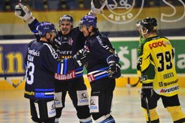 Martin Gálik (v strede) si proti Žiline pripísal na svoje konto gól aj prihrávku.