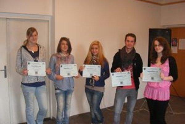 Moderátorské nádeje - Sidónia, Šišoláková, Petra Sekanová, Michaela Dzetkuličová, Adam Kmeť a Natália Babicová.
