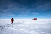 Antarktická planina je ako obrovská púšť, akurát teploty dosahujú extrémne nízke teploty.