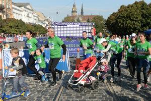 Na snímke účastníci mini maratónu.