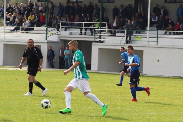 Prvý polčas viedol v Rabči bývalý rozhodca Štefan Ďubek.