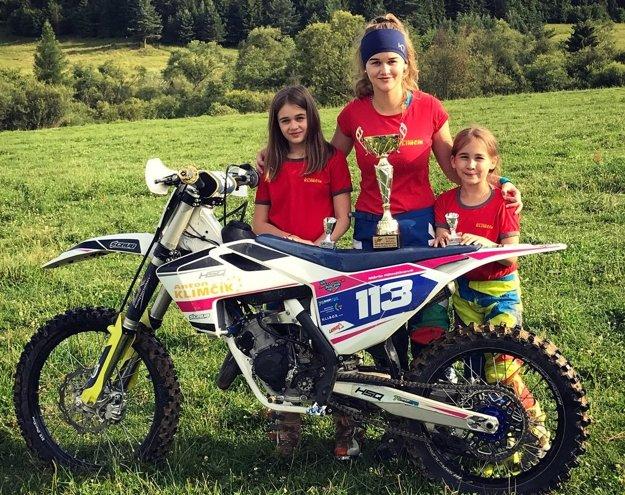 Všetky sestry Klimčíkové sú v motokrose úspešné.